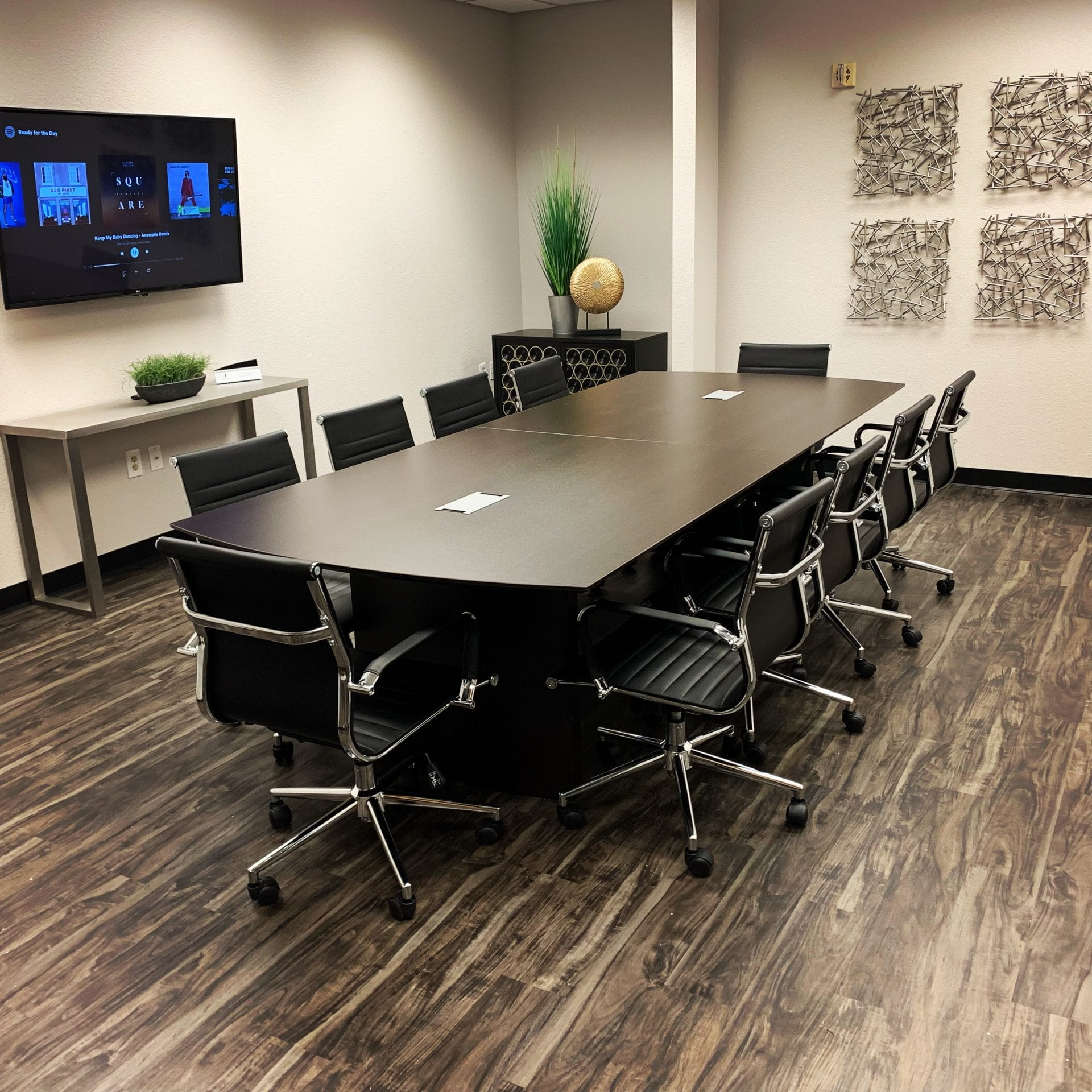 Prive Offices Meeting Room