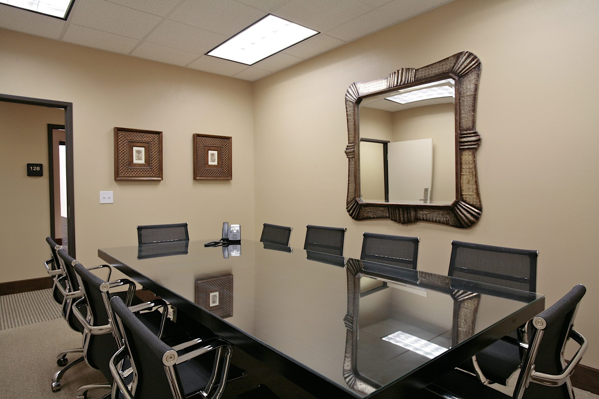 prive office - conference room